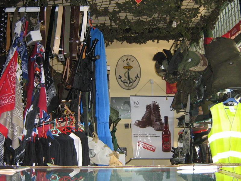 Military Shop Vác - belülről